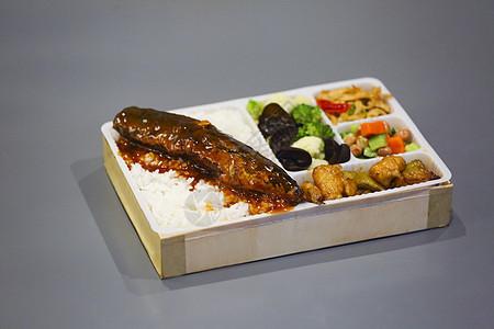 日式红烧茄丁鱼快餐盒饭图片