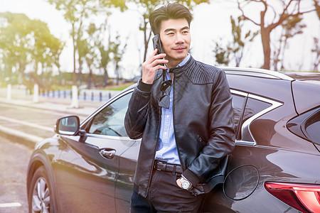 商务男士打电话图片