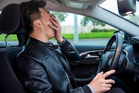 司机疲劳驾驶图片