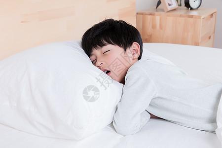 儿童睡觉图片
