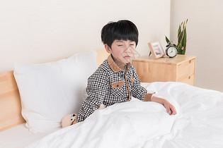 不想起床的小朋友图片