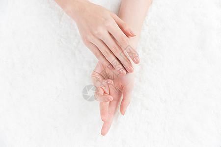 女性美甲手势展示图片