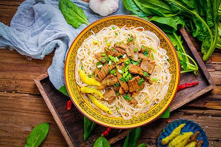 云南牛肉米线图片