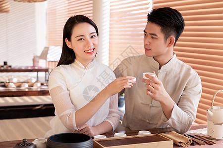 情侣品茶图片