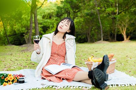文艺女性野餐图片