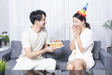 情侣庆祝生日图片
