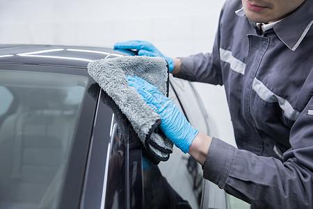汽车清洗工人图片