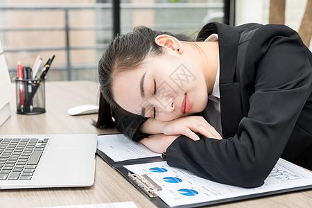 职场女性休息图片