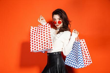都市魅力女性购物图片