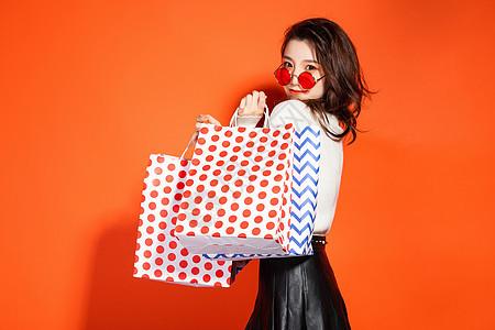 618都市魅力女性购物图片