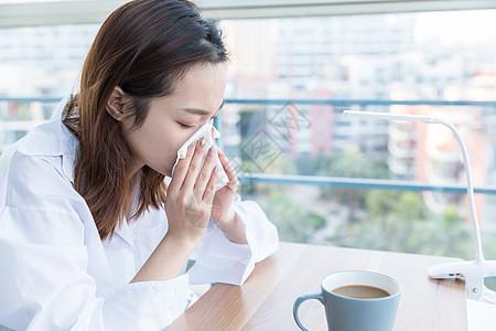 居家女性感冒不适图片