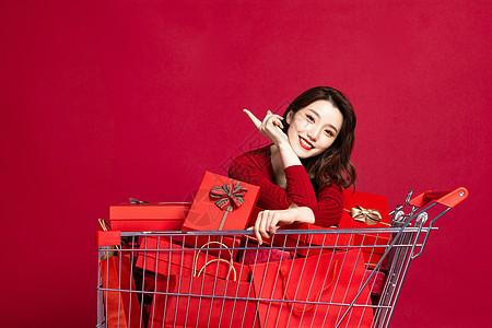 618开心购物的女生图片
