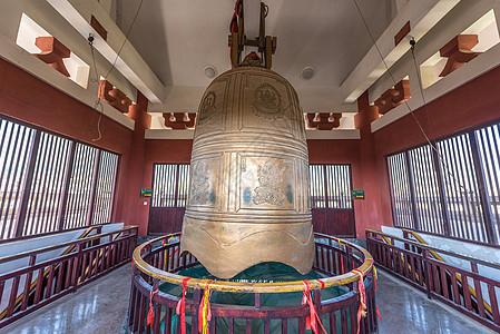 云南大理崇圣寺金钟图片