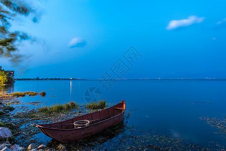 云南大理洱海夜景图片