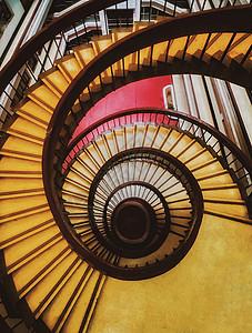 几何旋转楼梯 图片