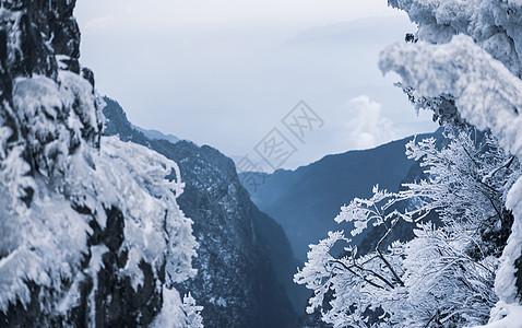 峨眉山雪景峡谷图片