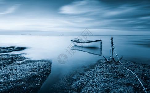 海岸小船风光图片