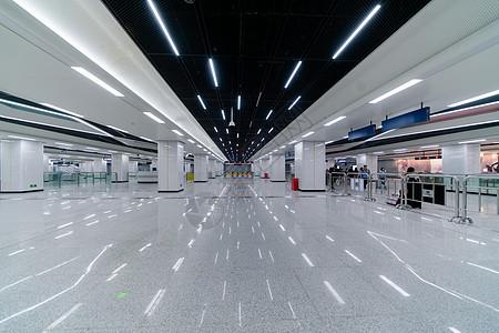 武汉光谷地铁站图片