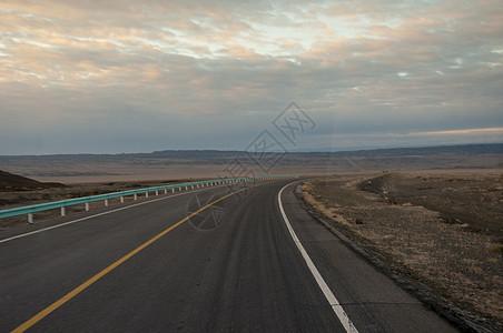 新疆公路交通图片