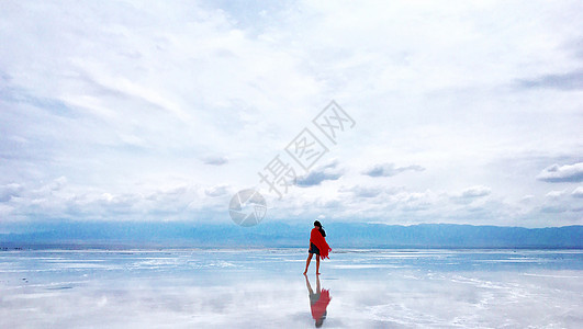 天空之境-茶卡盐湖图片