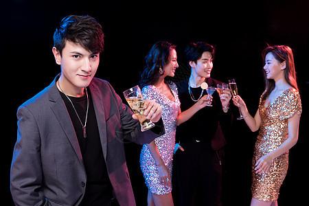 青年派对社交聚会图片