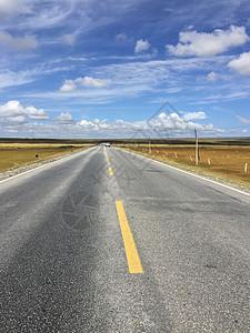 笔直的道路图片