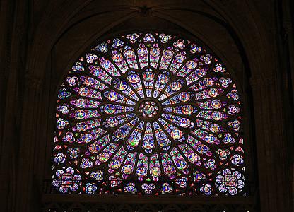 巴黎圣母院玫瑰窗图片