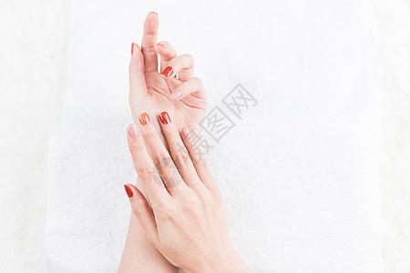 女性美甲手势展示特写图片