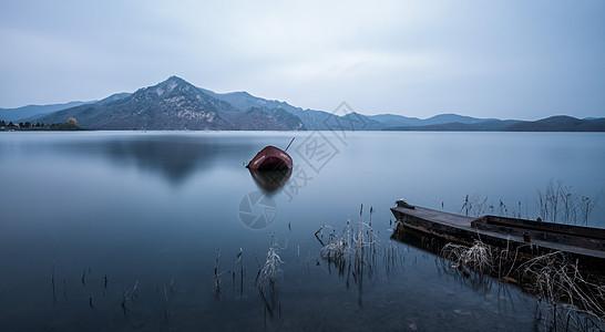 在水一方图片