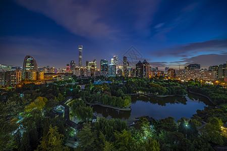北京团结湖公园夜景CBD图片