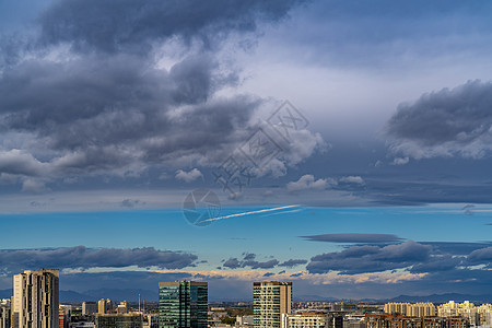 奇景天空下京城图片