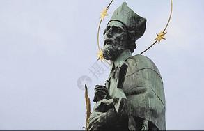 查理大桥上的雕像图片