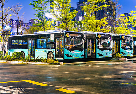 公交车停泊点图片