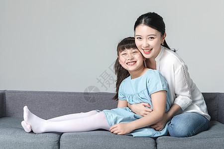 亲密的青年母女图片