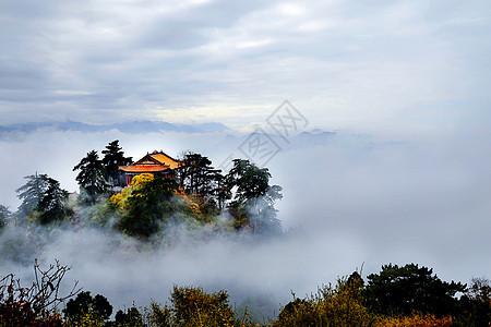 云中仙居寺庙图片