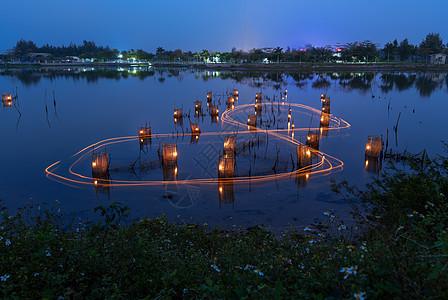 京族虾灯捕鱼图片