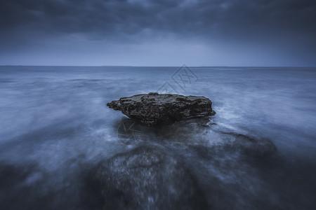 海边礁石图片