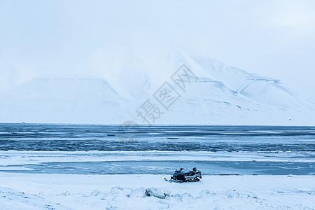 北极壮观的冰原雪山图片