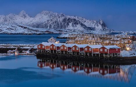 挪威罗弗敦群岛斯沃尔韦尔峡湾夜景风光图片