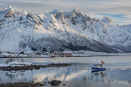 挪威冬季峡湾风光图片