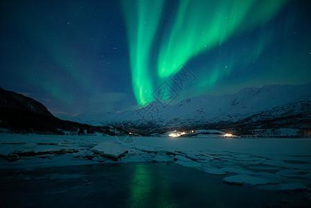 美丽的北极光图片