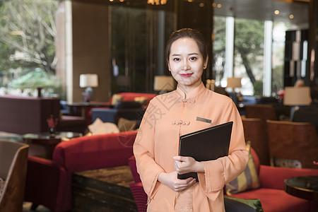 酒店餐厅服务员图片