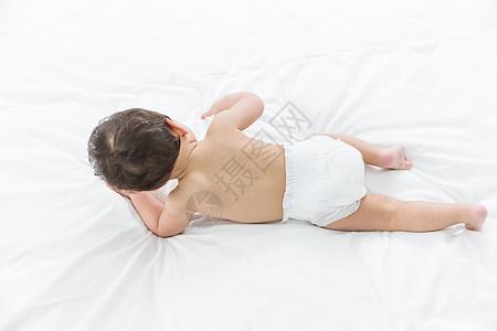 婴儿背影图片