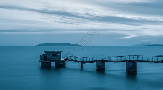 海上的桥图片