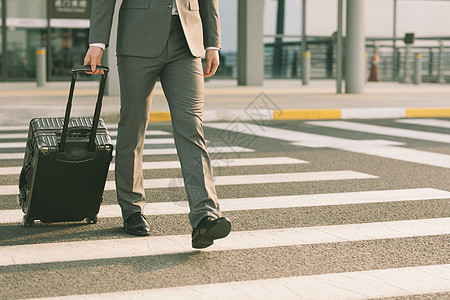 机场商务男性出差图片