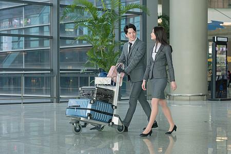 机场商务人士出行图片