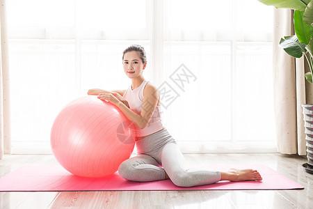 女性瑜伽休息图片