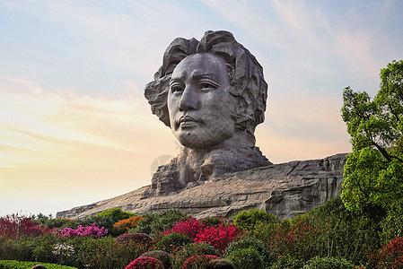 长沙橘子洲毛泽东青年艺术雕像图片