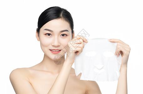 女性护肤敷面膜图片