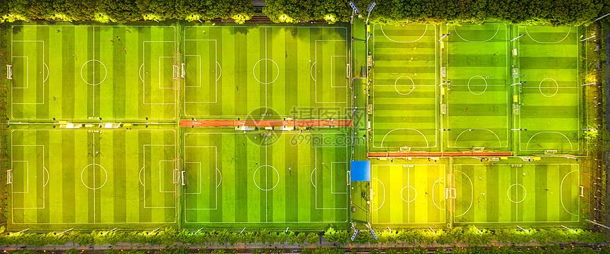 城市夜晚灯光足球场图片